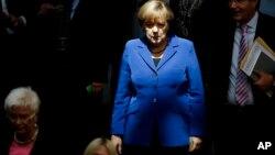 La mandataria alemana, Angela Merkel, dijo que EE.UU. debe nuevamente ganarse la confiaza de su país.