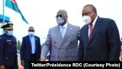 Président Uhuru Kenyatta mokonzi ya Kenya (G) na mokokani wa ye Félix Tshisekedi ya RDC na Kinshasa, 20 avril 2021. (Twitter/Présidence RDC)