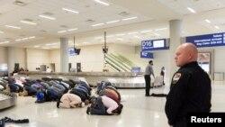Пассажиры, которым отказали во въезде в США