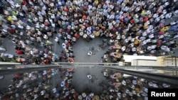 参加支持欧盟方案示威的希腊民众(2015年7月2日)