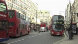 London's Christmas Shoppers Warned Over Bus Danger