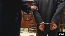 Diez de los acusados están bajo custodia o en libertad supervisada, incluidas tres presuntas transportadoras en Panamá; Estados Unidos está solicitando que sean extraditadas.