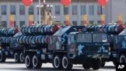 红旗-9导弹在2009年10月1日的中共国庆60周年阅兵式上亮相。
