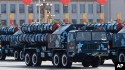 지난 2009년 10월 중국 베이징에서 열린 열병식에 등장한 HQ-9 미사일. (자료사진)