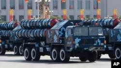 2009年10月1日红旗-9导弹在中共国庆60周年阅兵式上亮相