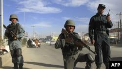 Avganistanska policija u Kabulu, 10. april 2012.