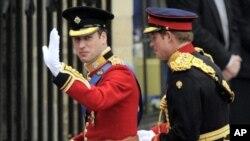 اهدای مدال خانواده سلطنتی بریتانیه به عساکر برگشته از افغانستان
