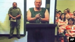 El acusado, Curtis Reeves, tuvo este martes vía video su primera audiencia en corte.