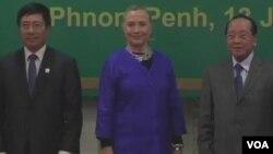 美国务卿克林顿的亚洲之行(视频截图)