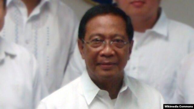 Phó Tổng thống Philippines, Jejomar Cabauatan Binay, khẳng định trong thời đại ngày nay, quyền tự do hàng hải và thương mại hợp pháp là lợi ích toàn cầu