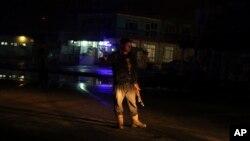 نیروهای امنیتی افغانستان محل انفجار را در شرق کابل محاصره کردند