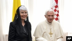 Croatian Prime Minister Jadranka Kosor, left, meets with Pope Benedict XVI in Zagreb, Croatia, June 4, 2011