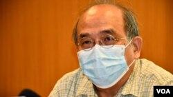 鍾劍華表示香港警方高調拘捕壹週刊記者企圖製造寒蟬效應。(美國之音 湯惠芸攝)