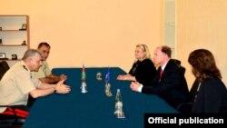 NATO-nun təhsil ekspertləri görüş keçirir
