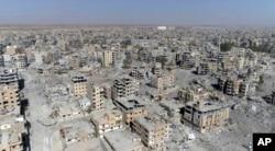 រូបឯកសារ៖ រូបថតពីលើអាកាសដោយប្រើដ្រូន បង្ហាញពីទិដ្ឋភាពទីក្រុង Raqqa កាលពីឆ្នាំ២០១៧។