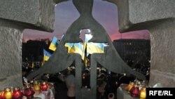 Пам'ятник жертвам Голодомору 1932–33 років у Києві