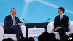 美國總統奧巴馬和阿里巴巴集團的創始人馬雲星期三在APEC工商領袖峰會上。