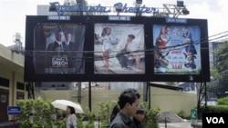 Salah satu bioskop di Jakarta yang masih memutar film Hollywood, Senin (2/21).