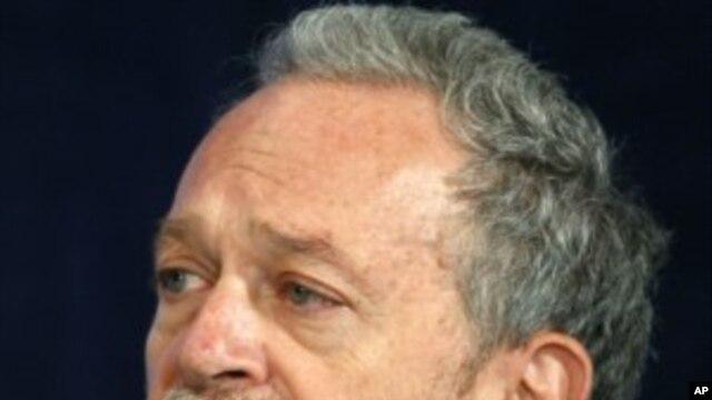 Economic advisor Robert Reich, former Labor Secretary (File Photo - November 7, 2008)