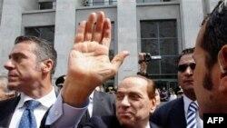 Berluskoni para gjykatës së Milanos nën akuzat për korrupsion