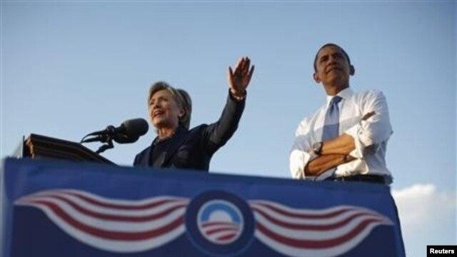 오바마 대통령의 플로리다 선거 캠페인을 돕는 클린턴 미 국무장관(자료사진)