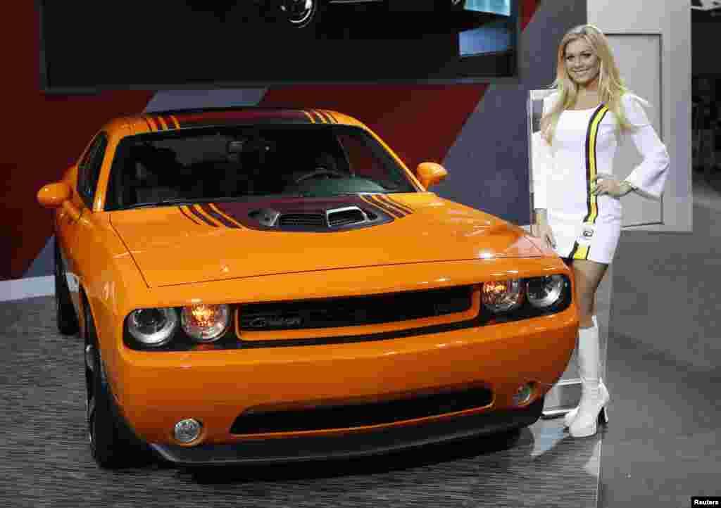 امریکہ کی ریاست مشی گن کے شہر ڈیٹرائیٹ میں جاری کار شو میں نئے اور جدید ماڈلز کی گاڑی متعارف کرائی گئی ہیں۔