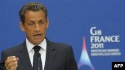 Tổng thống Pháp Sarkozy nói rằng việc các nhà lãnh đạo G-8 cam kết hỗ trợ cho Tunisia và Ai Cập tại hội nghị là điều vô cùng quan trọng