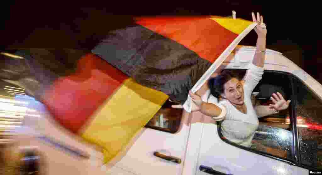 برازیل میں کھیلے جانے والے ورلڈکپ فٹبال کے فائنل میں جرمنی نے ارجنٹائن کے خلاف ایک گول سے فتح حاصل کر کے 24 سال بعد یہ ٹائٹل جیتا۔