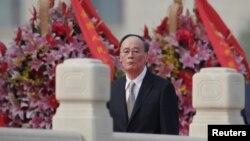 中国国庆节前夕,中纪委书记王岐山在北京天安门广场人民英雄纪念碑前参加纪念活动(2017年9月30日)