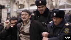 В Азербайджане арестовали оппозиционеров