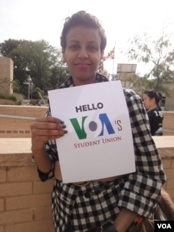 How to say hello? Maybe with a sign!