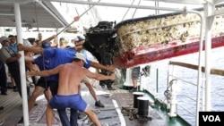 Kapal latih Rusia, STS Pallada, menemukan berbagai puing-puing sampah akibat tsunami Jepang, dalam perjalanan dari Honolulu ke Vladivostok (foto:dok).