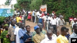 Voters lined up in South Sudan.