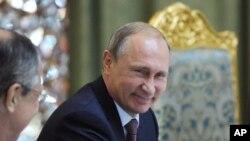 Tổng thống Nga Vladimir Putin tại hội nghị an ninh khu vực ở Tajikistan, ngày 15/9/2015.