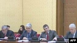 Tre deputetët socialistë do të flasin në parlament për 21 janarin