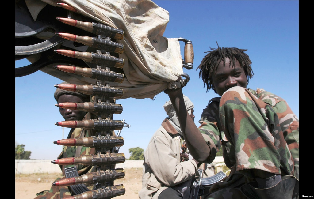 Experts estimate between 7,000 and 10,000 child soldiers operate in Chad in the national army, rebel and militia groups. Globally, the U.N. Children's Fund UNICEF believes there are some 250,000 child soldiers.