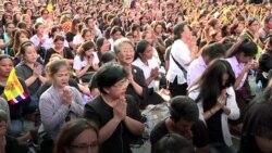 Thais Mourn King Bhumibol
