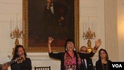 Celebran la música hispana en la Casa Blanca