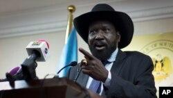 南蘇丹總統基爾在記者會上。