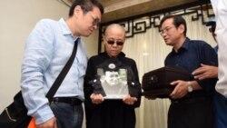 2017年7月14日,丁子霖教授代表天安门母亲群体悼念刘晓波逝世,并向刘霞表达慰问。