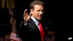 او اعلام کرد که اکنون تمرکز خود را روی انتخابات سنا در ایالت کنتاکی متمرکز می کند.