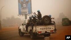 Patrouille de la Minusca à Bangui le 12 février 2016.