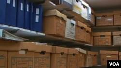 Arhiv nacionalne sigurnosti u Washingtonu sadrži na hiljade kopija orginalnih, nekada, tajnih dokumenata.