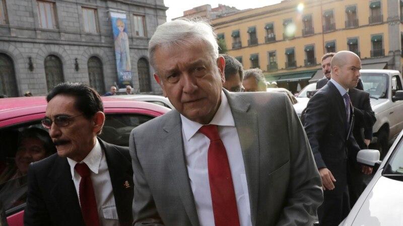 Lopez Obrador dit que personne ne menacera le Mexique avec un mur