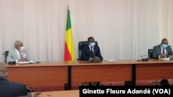 Rencontre du chef de l'État béninois Patrice Talon avec les partis politiques, à Cotonou, Bénin, le 7 juin 2020. (VOA/Ginette Fleure Adandé)