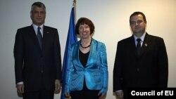 Premijer Kosova Hašim Tači, vioska predstavnica EU Ketrin Ešton i premijer Srbije Ivica Dačič