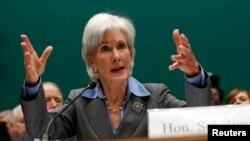 Bộ trưởng Y tế và Xã hội Hoa Kỳ Kathleen Sebelius nói rằng các vụ bộc phát bệnh ở bất cứ nơi nào cũng chỉ cách có một chuyến bay trong thế giới toàn cầu hóa