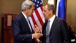 美國國務卿克里和俄羅斯外交部長拉夫羅夫星期二就有關敘利亞化學武器的聯合國決議草案問題舉行會談。