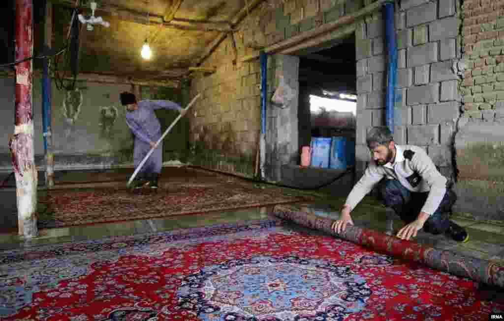 رونق کسب و کار قالیشویی پیش از نوروز در بجنورد در استان خراسان شمالی
