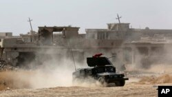 نیروهای عراقی در حال مبارزه با داعش